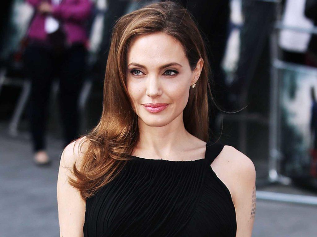 Angelina Jolie: Φωτογραφίες μετά το διαζύγιο (φωτό)