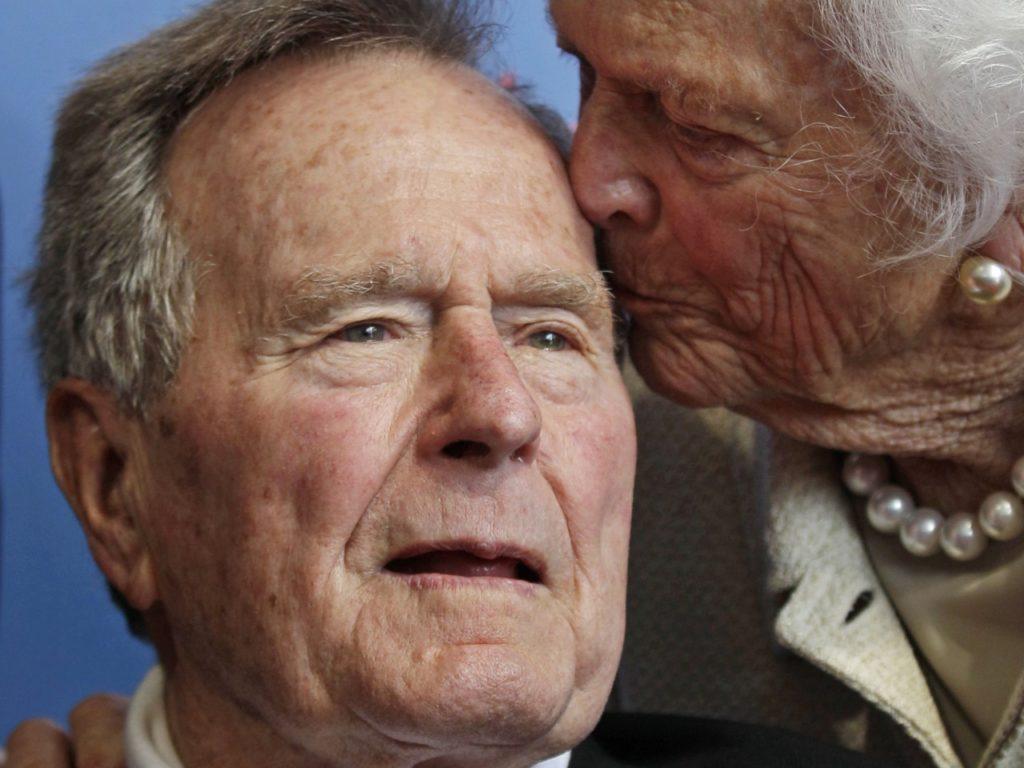 Ο Μπους ο πρεσβύτερος ψήφισε Χίλαρι στις προεδρικές του 2016
