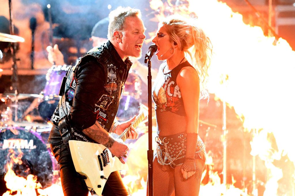 Lady Gaga και Metallica μαζί στη σκηνή των βραβείων Grammy (video)