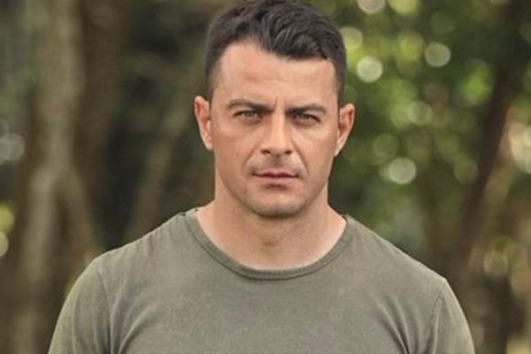 Survivor – Γιώργος Αγγελόπουλος: Αν και «μαχητής», αγωνίζεται με τους «Διάσημους» – «Στα χέρια» με Χανταμπάκη
