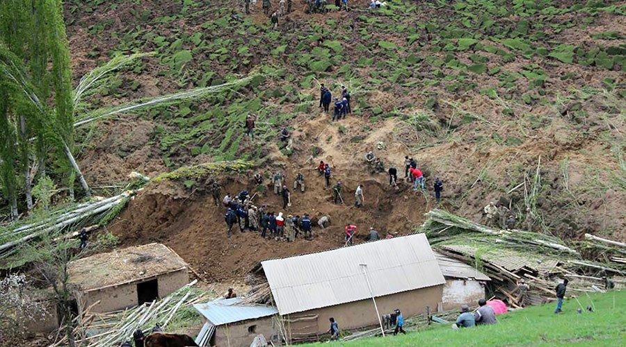 Κιργιστάν: Κατολίσθηση «ρούφηξε» χωριό – 24 νεκροί