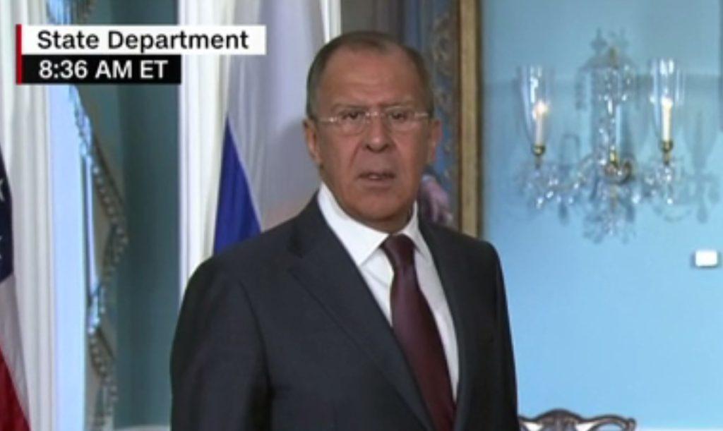 Η απίστευτη αντίδραση του Λαβρόφ όταν άκουσε για την απομάκρυνση του επικεφαλής του FBI (Video)