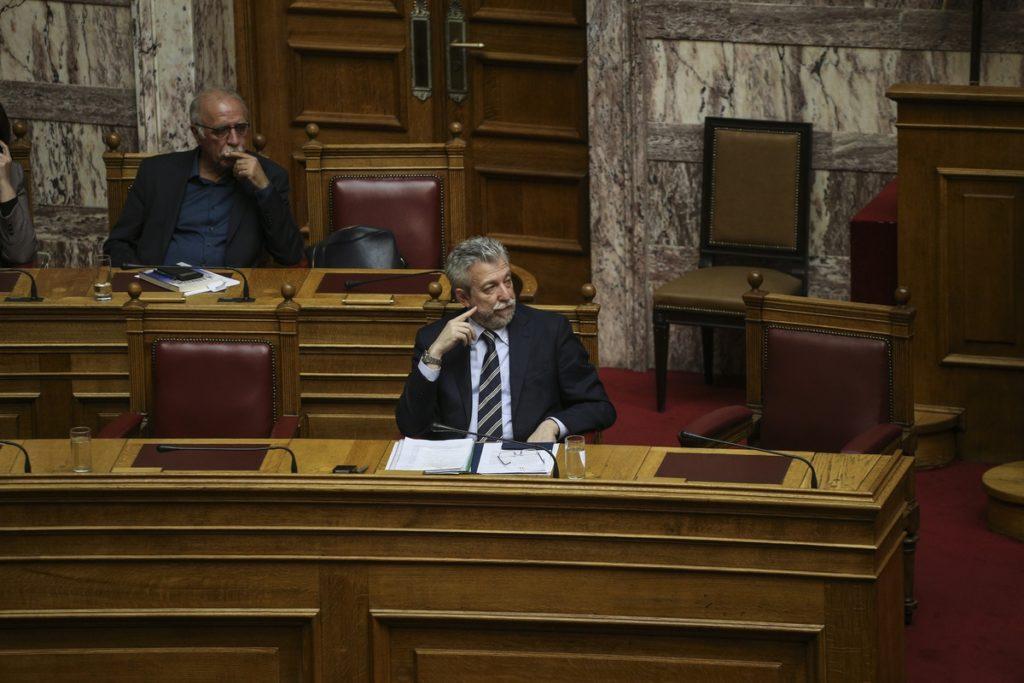Βουλή: Πλήρης επιβεβαίωση του Documento για τις προσπάθειες παροχής ασυλίας στα τραπεζικά στελέχη (Video)
