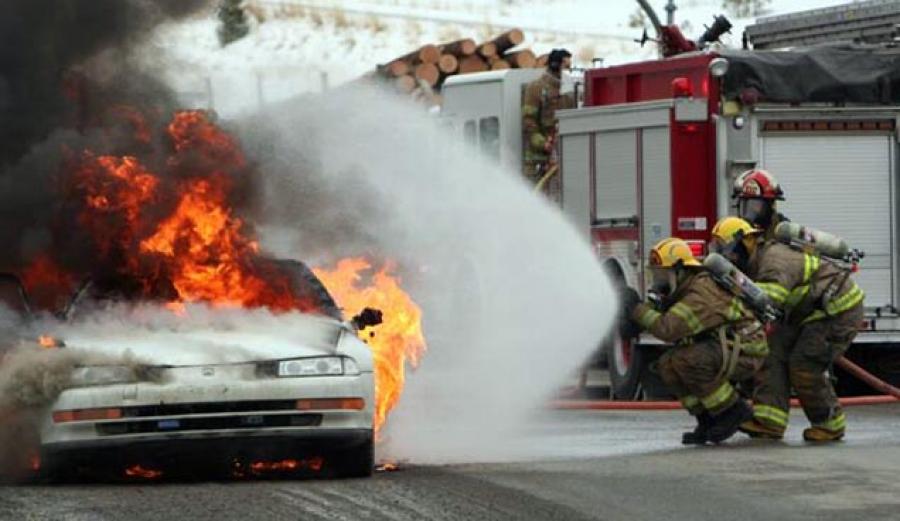 Σοκ! Απανθρακωμένα πτώματα σε δύο διαφορετικές φωτιές αυτοκινήτων