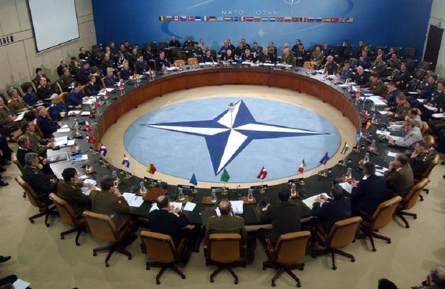 Δραστηριοποιείται το ΝΑΤΟ κατά του ISIS