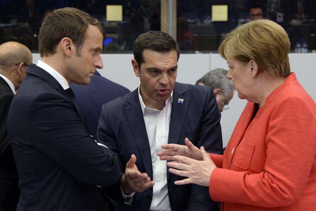 Τσίπρας, Μέρκελ και Μακρόν συζήτησαν για το ελληνικό χρέος και το Eurogroup της 15ης Ιουνίου
