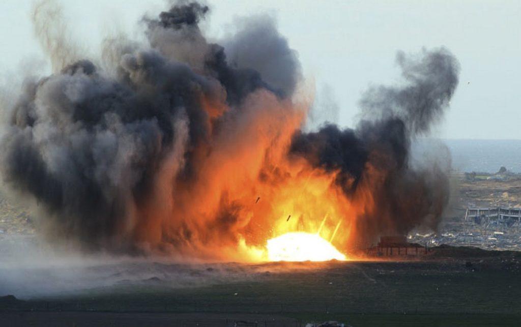 """Η πολεμική αεροπορία της Αιγύπτου βομβάρδισε """"στρατόπεδα τρομοκρατών"""" στη Λιβύη"""