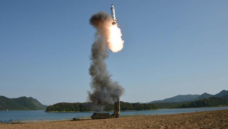 Βόρεια Κορέα: Νέα εκτόξευση πυραύλου – Ενημερώθηκε ο Ντόναλντ Τραμπ