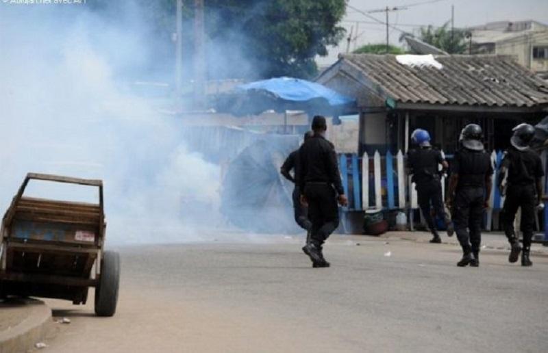 Ακτή Ελεφαντοστού – Απίστευτο: Αστυνομικοί γάζωσαν νεκροφόρα και σκότωσαν 5 νεκροθάφτες