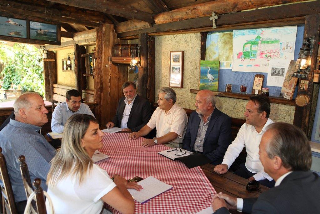 Τσίπρας: Τίτλοι κυριότητας για τους κατοίκους των Πρεσπών