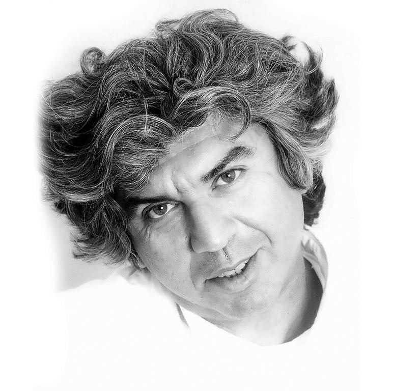 Τάκης Θεοδωρόπουλος: Η επίθεση της γιγαντιαίας κουπ
