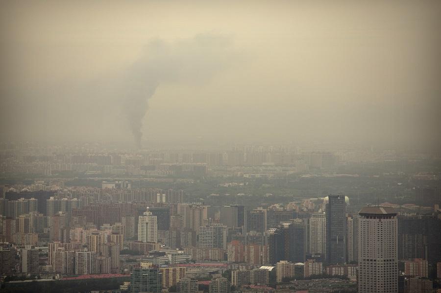 «Πορτοκαλί συναγερμός» στο Πεκίνο – Ανησυχία για την ατμοσφαιρική ρύπανση