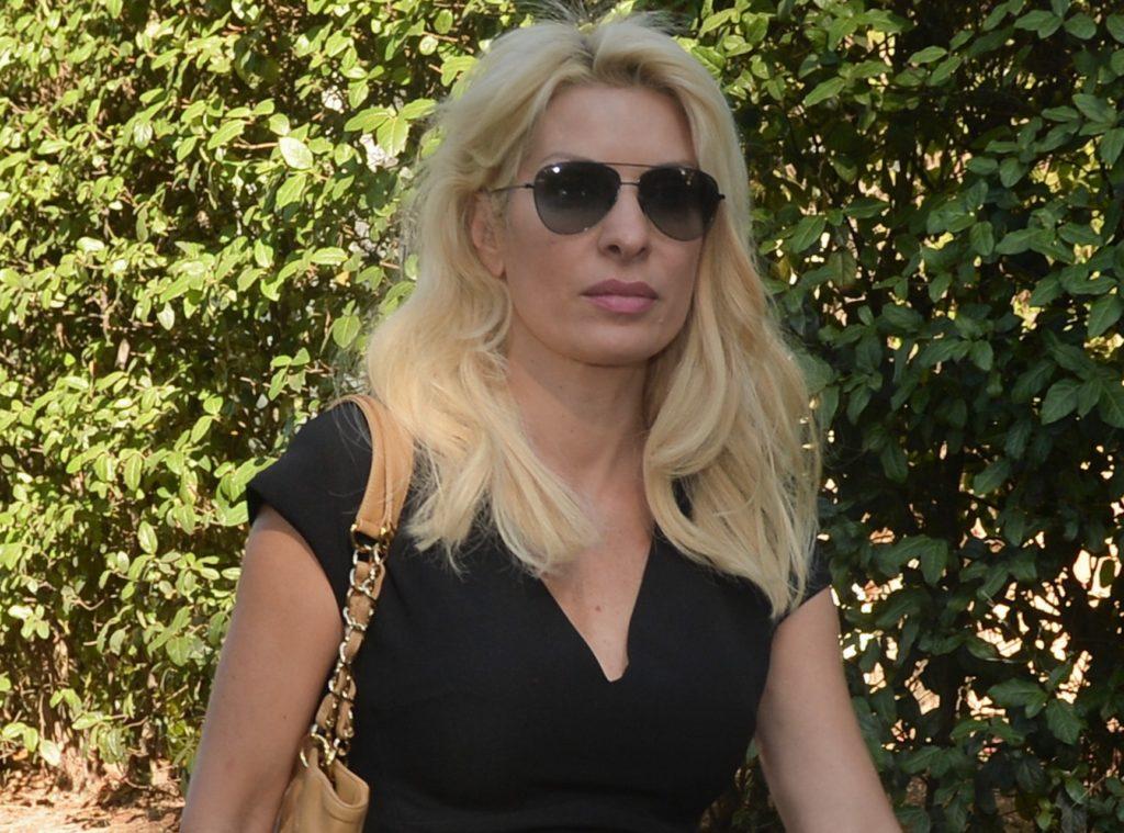 Η Τάνια Ιακωβίδου θα πληρώνει 2.000 ευρώ κάθε φορά που θα λέει «Ελένη Μενεγάκη»
