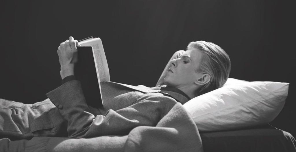 Ο γιος του David Bowie αρχίζει Μαραθώνιο ανάγνωσης στη μνήμη του πατέρα του (Photo)