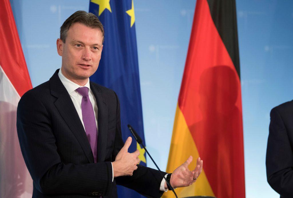 Παραιτήθηκε ο Ολλανδός υπουργός Εξωτερικών μετά την παραδοχή ότι είπε ψέματα