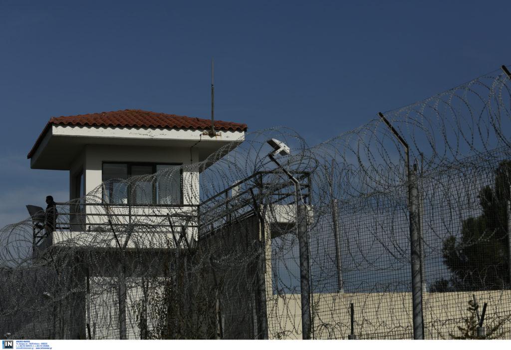 Οι σωφρονιστικοί υπάλληλοι εκφράζουν τον αποτροπιασμό τους για τη δολοφονία στις φυλακές Κορυδαλλού