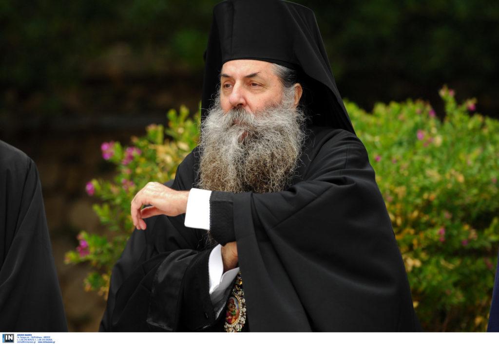 Προκαλεί ο Πειραιώς Σεραφείμ: Εμείς να γράφουμε τα βιβλία των θρησκευτικών