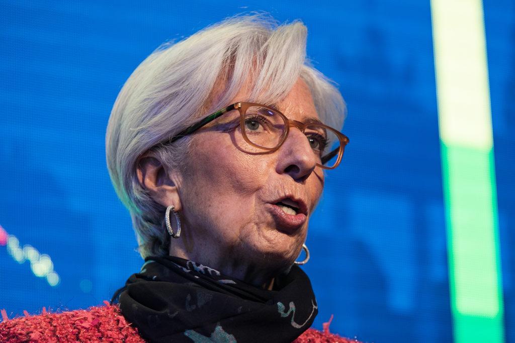 ΔΝΤ: Έκθεση για τη βιωσιμότητα του χρέους και το μπαλάκι στην Ευρώπη