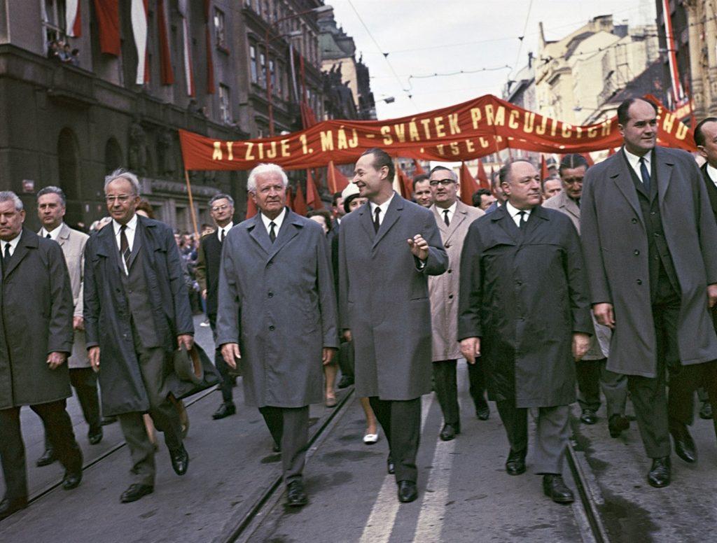 Από την άνοιξη της Πράγας του 1968 στον βαρύ χειμώνα – Ο γιατρός και ο μεγάλος ασθενής