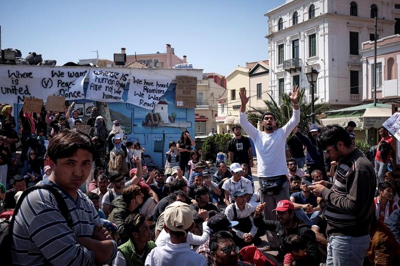 SOS από δήμαρχο Λέσβου: Πάνω από 10.000 οι αιτούντες άσυλο στο νησί