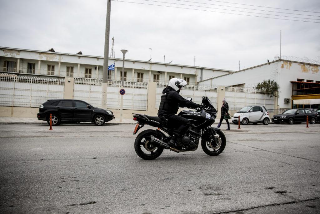 Απόδραση δύο κρατουμένων από τις φυλακές Κορυδαλλού (Photos)