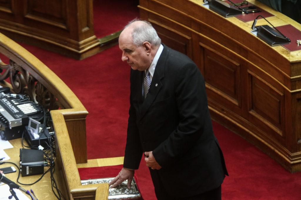Ορκίστηκε βουλευτής ο Τέρενς Κουίκ: «Θα στηρίξω την κυβέρνηση μέχρι την τελευταία μέρα» (Photos)