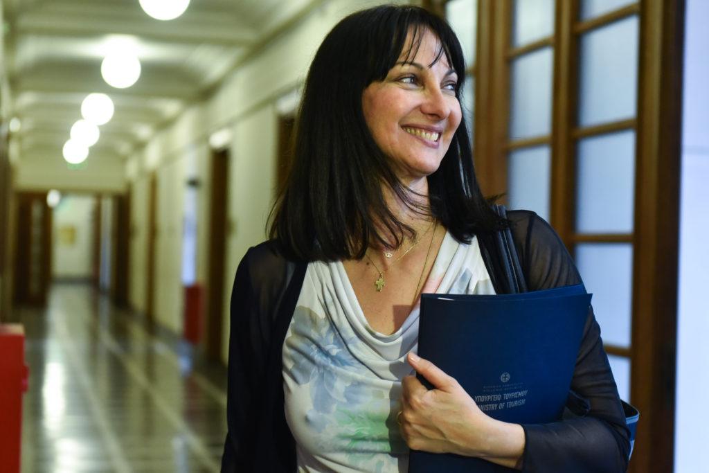 «Καλύτερη υπουργός Τουρισμού παγκοσμίως» η Έλενα Κουντουρά