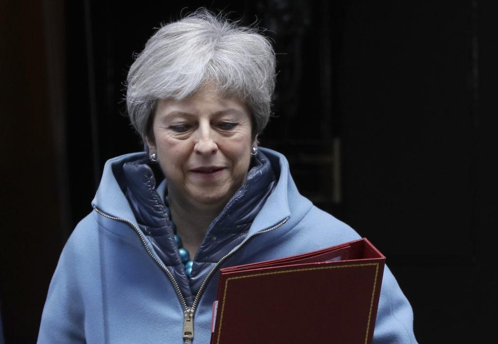Η συντηρητική Telegraph στέλνει μήνυμα για Μέι: «Να της πουν να παραιτηθεί»!