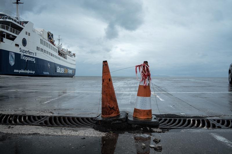 Εξασθενούν οι άνεμοι – κανονικά τα δρομολόγια των πλοίων από Πειραιά και Λαύριο
