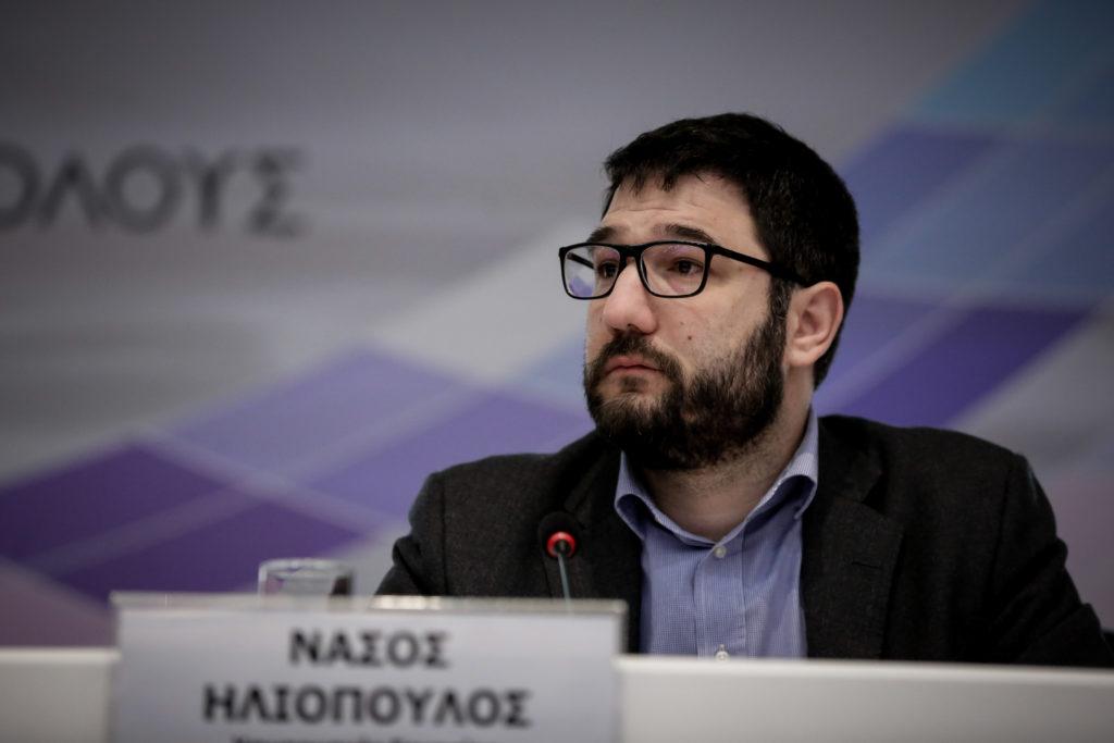 Ο Ν. Ηλιόπουλος «αδειάζει» τον δημοσιογράφο του Σκάι για την υποτιθέμενη άρνησή του σε debate με Μπακογιάννη