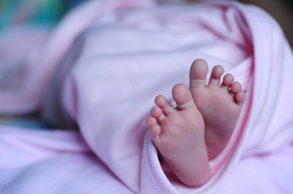 Τα διεθνή ΜΜΕ για τη γέννηση μωρού στην Ελλάδα με «τρεις γονείς»: Διχασμένη η ιατρική κοινότητα