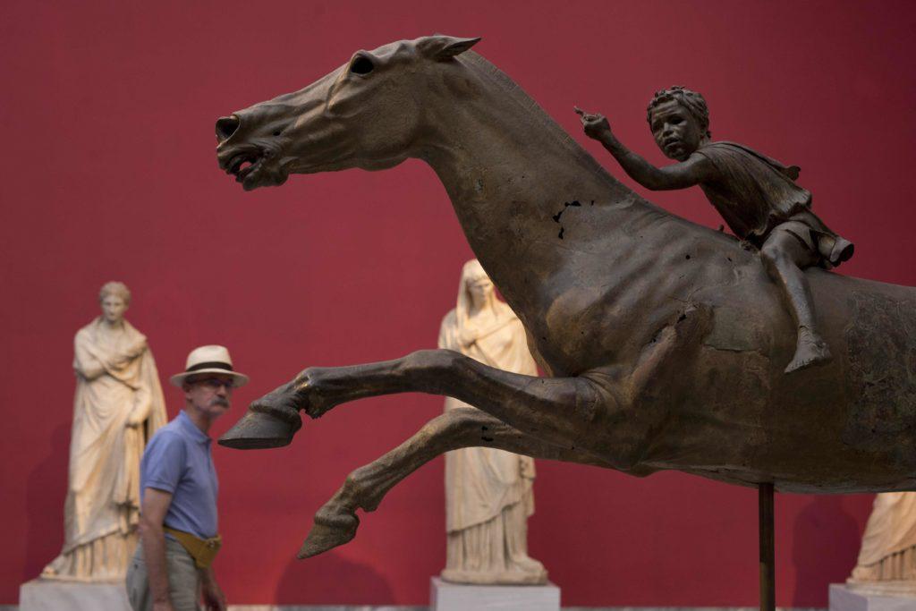 ΕΛΣΤΑΤ: Μεγάλη αύξηση επισκεπτών και εισπράξεων σε μουσεία και αρχαιολογικούς χώρους