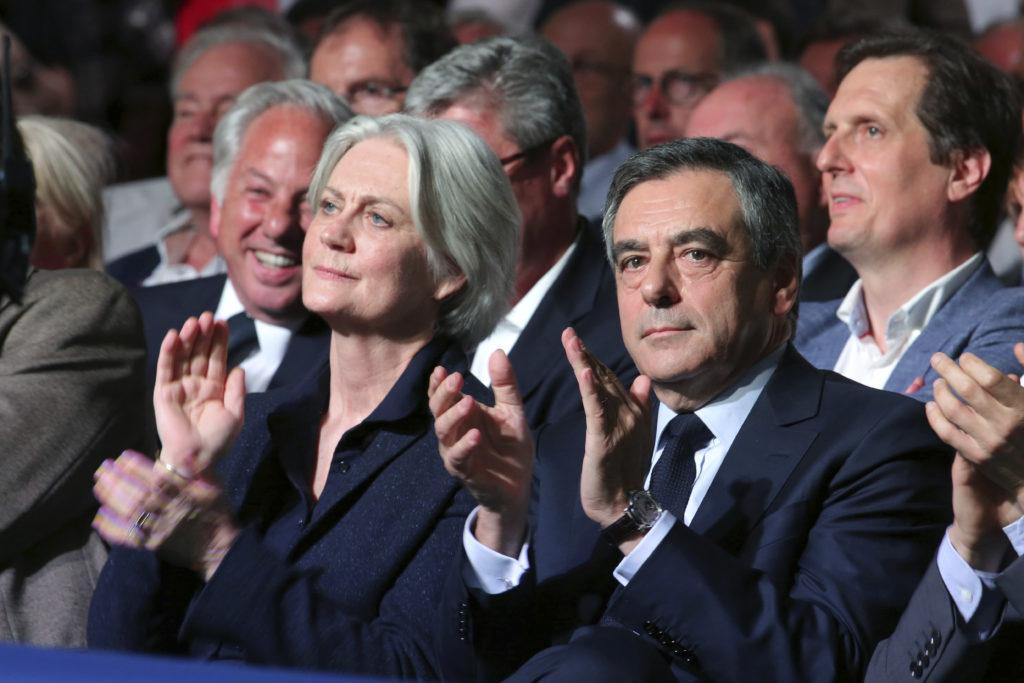 Γαλλία: Παραπομπή σε δίκη του πρώην πρωθυπουργού Φιγιόν και της συζύγου του για εικονικές θέσεις εργασίας