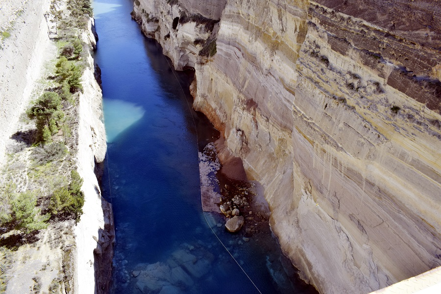 Κόρινθος: Γυναίκα έπεσε από τη γέφυρα του Ισθμού