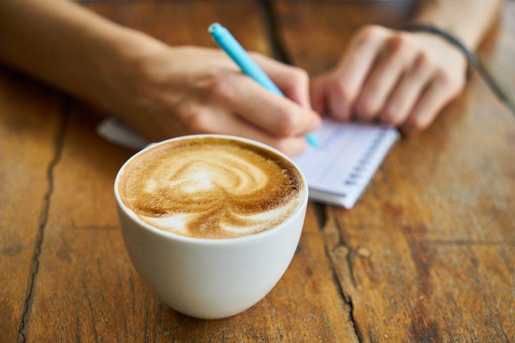 ΦΠΑ 13% σε καφέ και ροφήματα που αγοράζονται από τα ράφια