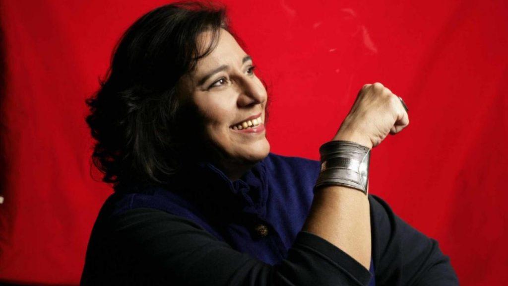 Η επιστροφή της Μαρίας Φαραντούρη στο σύγχρονο τραγούδι διαμαρτυρίας