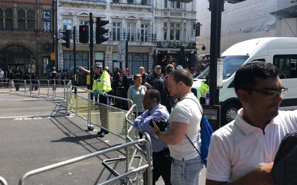 Συναγερμός στο Λονδίνο για «ύποπτο» αντικείμενο (Live)
