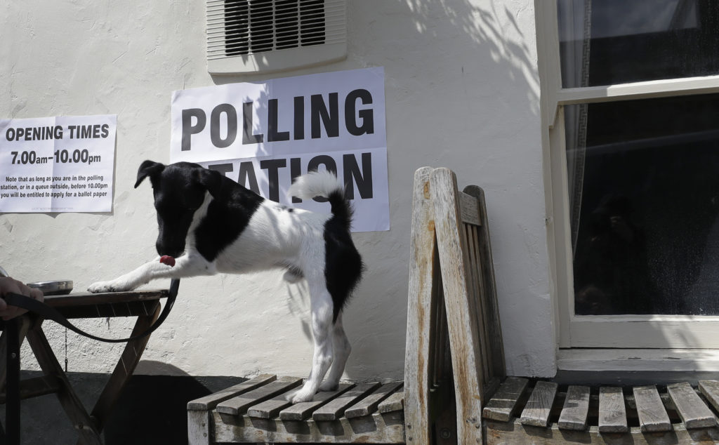 Αλαλούμ στη Βρετανία: Ευρωπαίοι πολίτες δεν μπορούσαν να ψηφίσουν