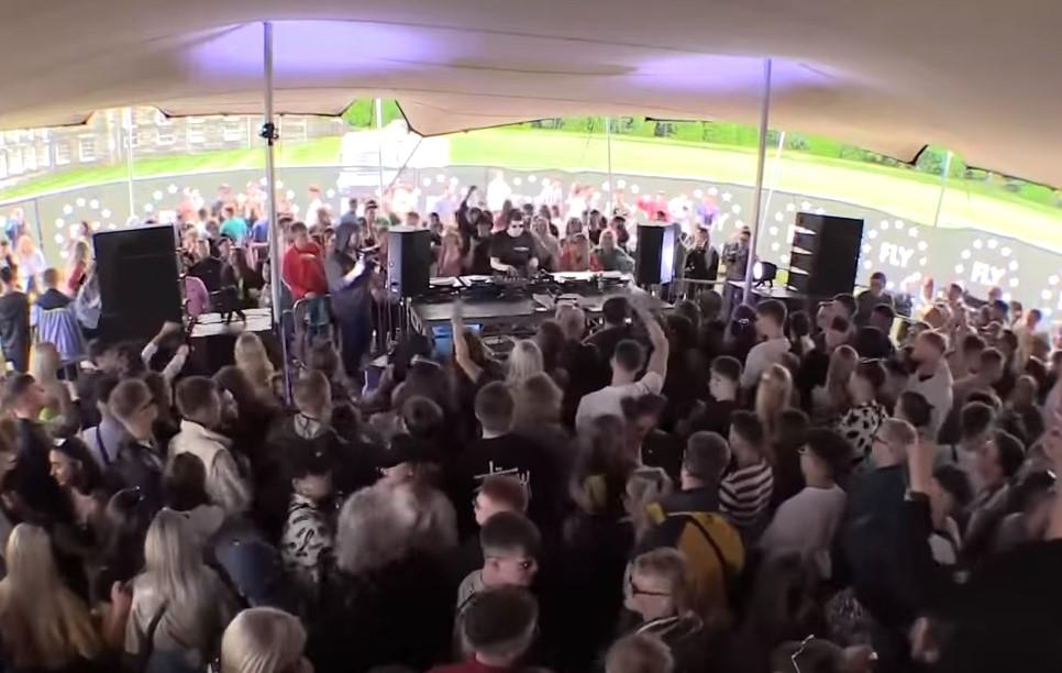 Σκωτία: Έγινε το  πρώτο φεστιβάλ με απαγόρευση χρήσης κινητών!