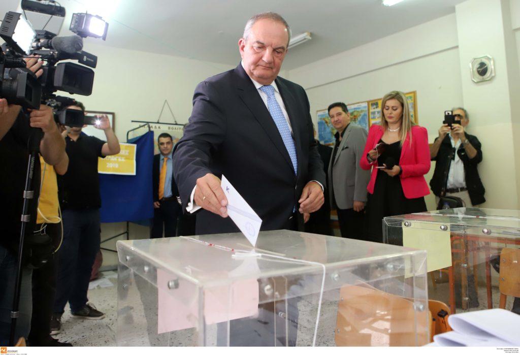 Το εκλογικό του δικαίωμα στη Θεσσαλονίκη άσκησε ο Κώστας Καραμανλής (Photos & Video)