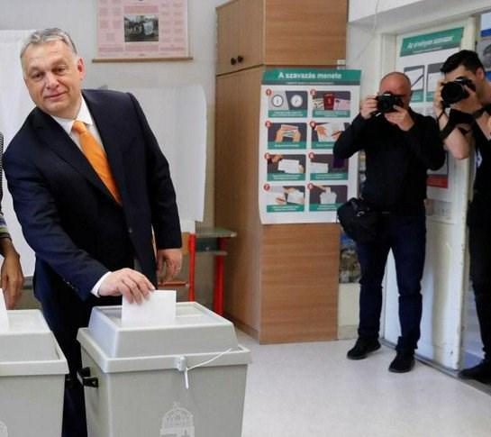 Ουγγαρία: O Όρμπαν προσμένει μια «αντιμεταναστευτική ευρωπαϊκή δημόσια αρένα»