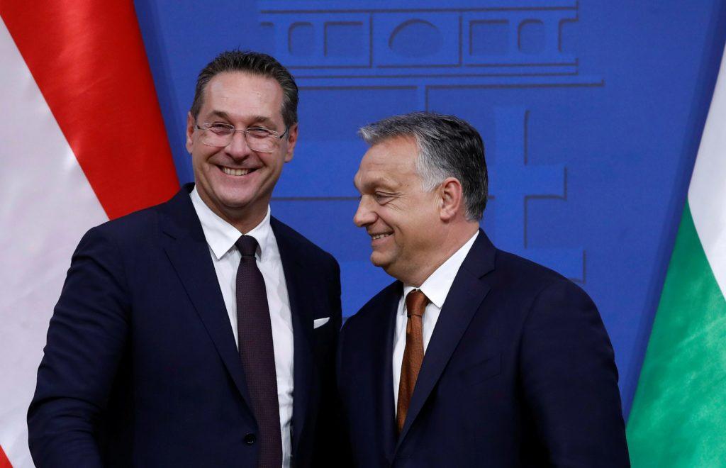 Ουγγαρία: Μετά το σκάνδαλο της Ίμπιζα, ο Ορμπάν αποδοκιμάζει τον Αυστριακό ακροδεξιό Στράχε