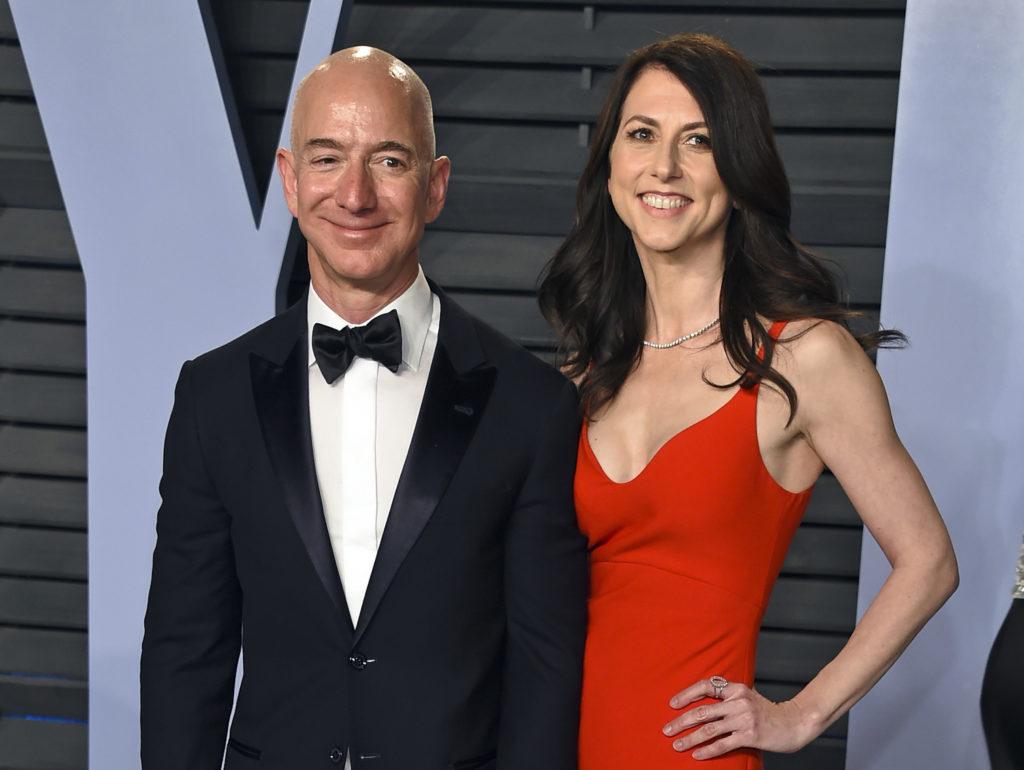 Η πρώην κυρία «Amazon» δωρίζει σε φιλανθρωπίες τη μισή περιουσία που απέκτησε μετά το «χρυσό» διαζύγιο