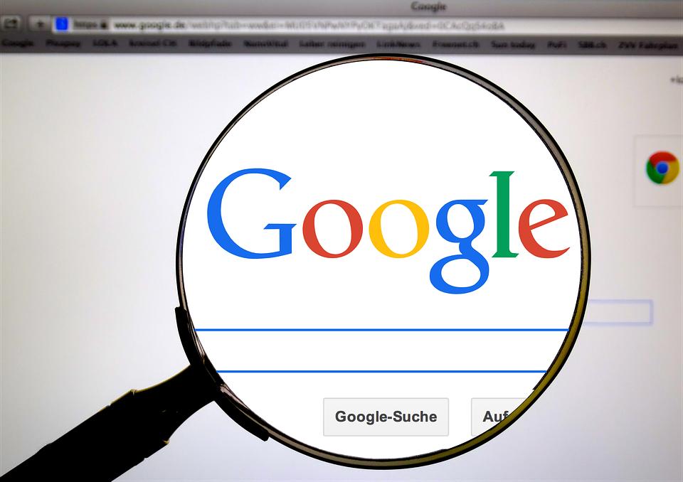Ο αμερικανικός Τύπος κατηγορεί την Google ότι πλουτίζει χάρη σε αυτόν