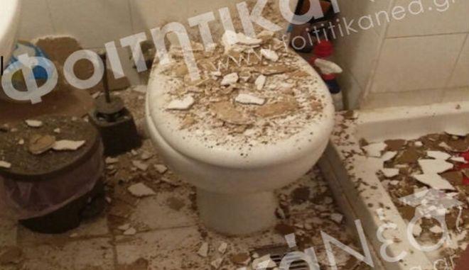 Ιωάννινα: Έκανε μπάνιο και… της έπεσε το ταβάνι στο κεφάλι – Οργισμένη η αντίδραση των φοιτητών (Photos)