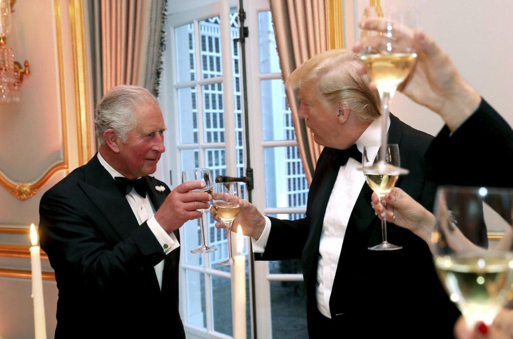 Και ανορθόγραφος ο… Τραμπ – Πως αποκάλεσε τον πρίγκιπα Κάρολο (Photo)
