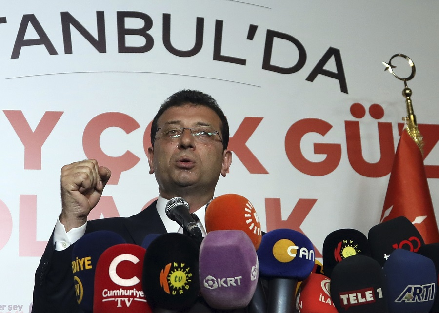 Τουρκία: Η νίκη Ιμάμογλου έφερε άνοδο στη λίρα – Υποχωρούν οι αποδόσεις των ομολόγων