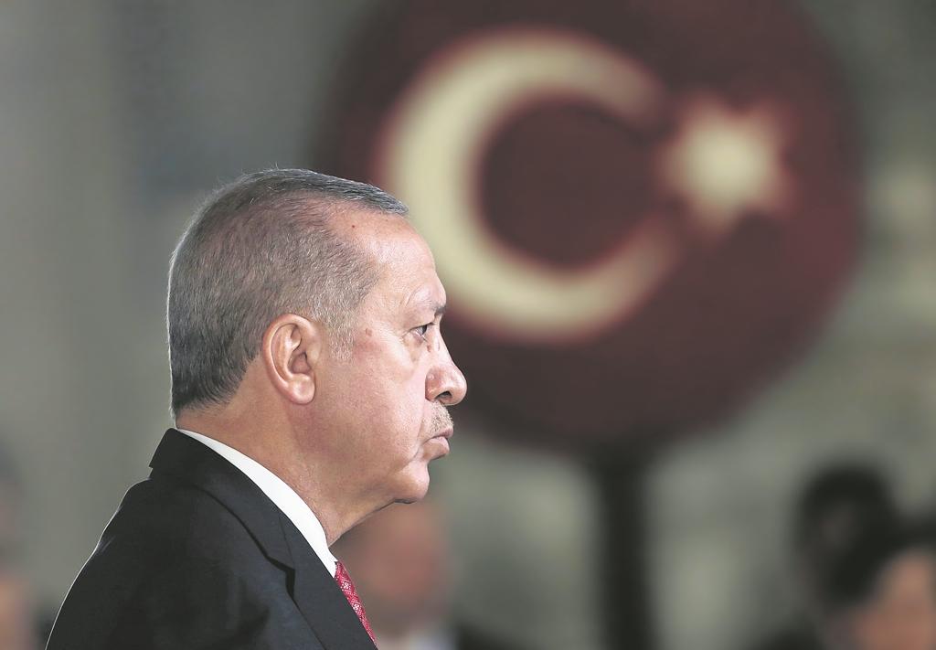 Ερντογάν: Πληγωμένος και επικίνδυνος «σουλτάνος»
