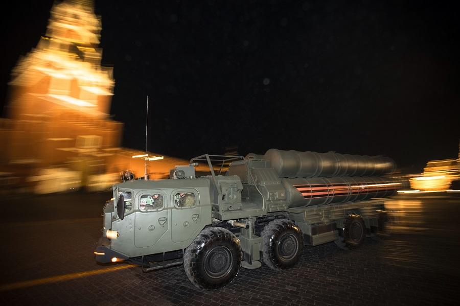 Κρεμλίνο: Στη φάση της υλοποίησης η συμφωνία για την παράδοση των S-400 στην Τουρκία