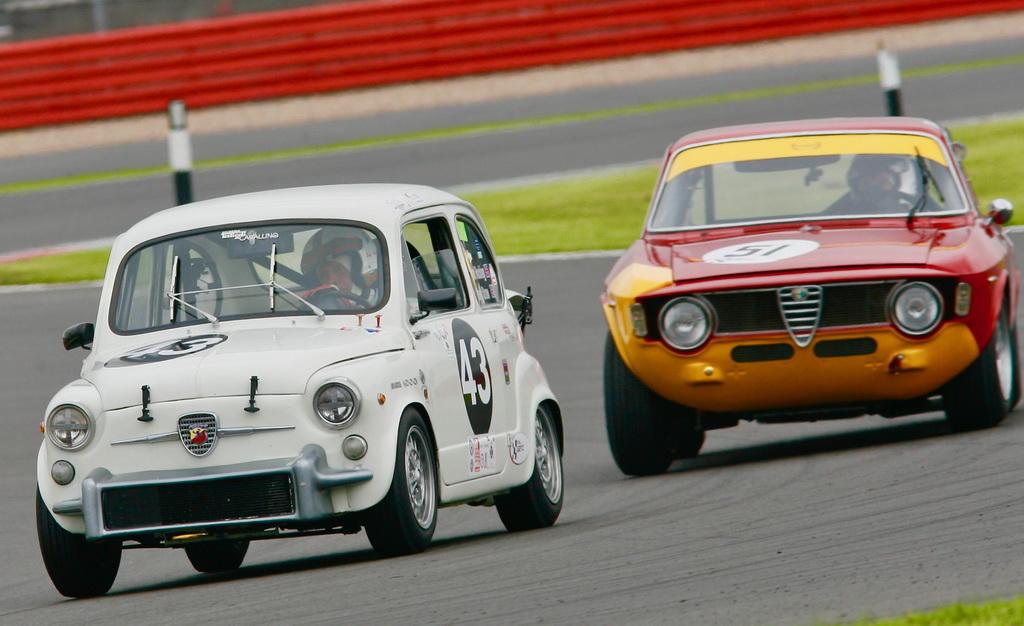 Παρούσες στο Silverstone Classic Abarth και Alfa Romeo